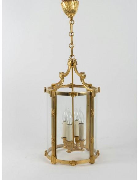 Paire de lanternes de style Louis XVI. XXème siècle.