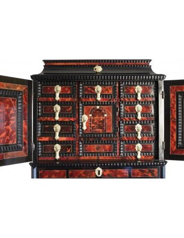 Cabinet flamand. XVIIème siècle.