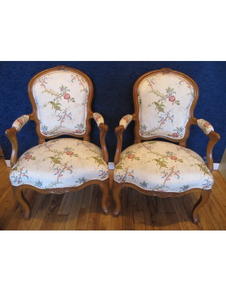 A Pair of Louis XV period (1724 - 1774) armchairs. 18th century.
