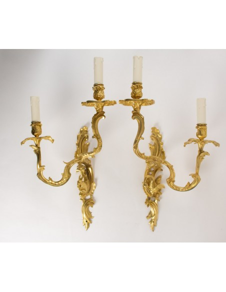 A Pair of scones in Louis XV style.  19th century.